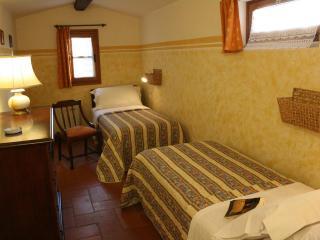 La Cipressaia - Twin Bedroom