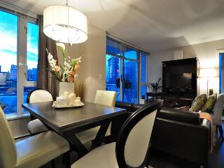Luxury 2 bedroom Harbour View Apartment Crosstown, Vancouver