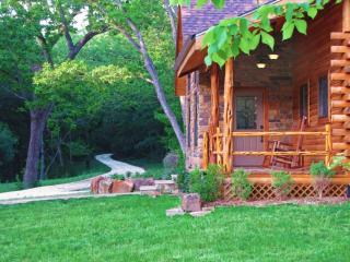 Brazos Bluffs Ranch: Amazing Home, Horses, River!  100+ 5-Star Reviews!