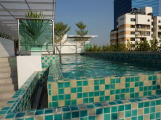 The Silk - Rooftop pool