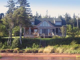 Howe Bay Beach House - PEI Luxury Vacation Rental, Souris