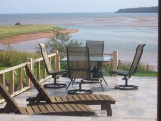 Howe Bay Beach House - PEI Luxury Vacation Rental