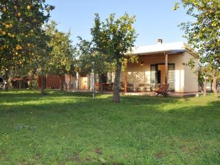 Casale della Pergola, Eco-friendly farmhouse by the sea, countryside, wifi, ac, Noto