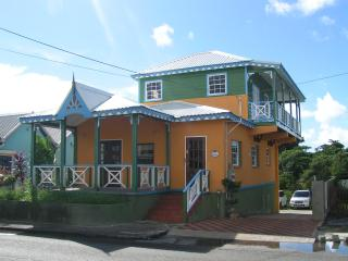 """""""Booby Duck Cottage"""" in the heart of St. Lawrence, St Lawrence Gap"""