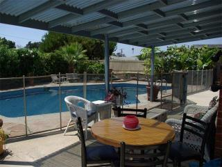 Private Pool & Lg Jacuzzi, Great Location!
