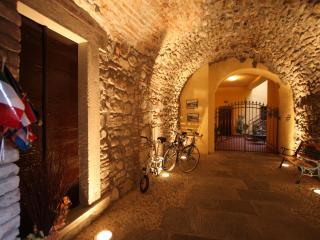 Apartment  in historic centre, close to the lake, Sarnico