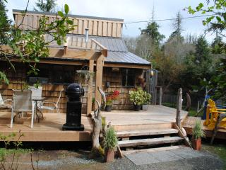 Gold Coast Retreat Haidaway Cabin Chesterman Bch, Tofino