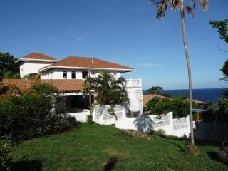Unique West Bay Location, Villa with  Pool