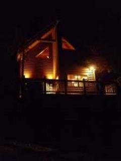 www.blueridgeparkwaycabinrentals.com Our cabin at night