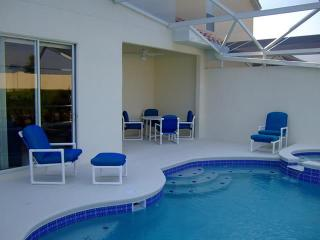 4-Bed villa close to Disney with pool & spa