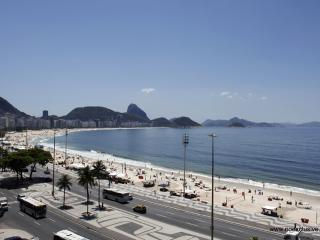 Rio080-Stylish studio flat directly on Copacabana next to The 5 stars Emiliano, Río de Janeiro