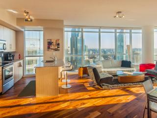 New Central Toronto Condo, Great City & Lake Views
