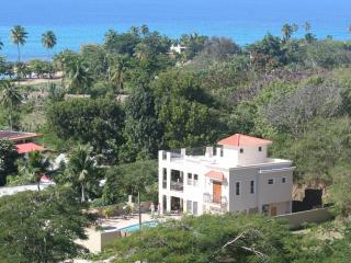 Enjoy your private vacation home and pool, easy walk to beach