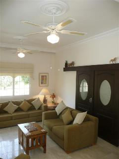 Lounge - comfortable seating for 6, ceiling fans