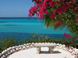 The Conch shell sun patio, a tranquil place to enjoy the ocean view
