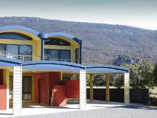Halls Gap Getaway - quality 3BR townhouse