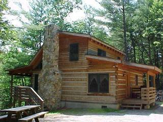 Deer Run Cabin - Secluded Log Cabin Natural Wooded Setting