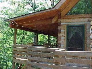 Deer Run Cabin - Covered Porch is like being in a treehouse