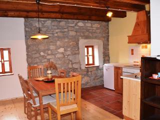 smaller house 2 kitchen