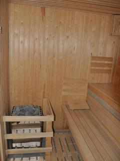 Sauna,steam bath