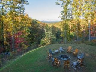 Sep 27-Oct 5 $499/nt~'Cherokee Lodge' Luxury 5 BR Cabin*Firepit*Mtn View*Game Rm