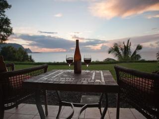 Stunning Oceanfront 'Bali Hai' 1 BR Pali Ke Kua, Princeville