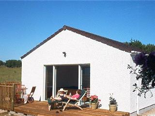 4 bedroom Cottage with Heated Pool in Dornoch