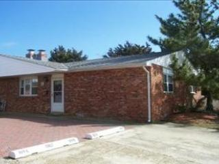 Cape May 2 Bedroom & 2 Bathroom House (6104)
