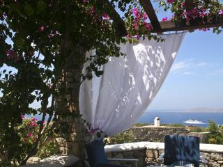 Four Bedroom Mykonos Villa, Ornos