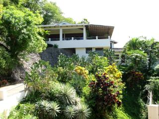 Villas Casa Loma  Incredible Ocean/Mountain Views!, Playa Flamingo