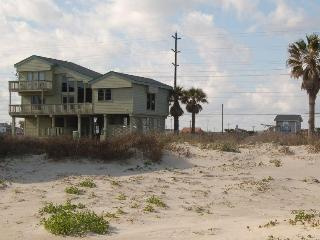 Island Cabana-BeachSide Sleeps 10-14 3BR/2.5 Bath, Galveston