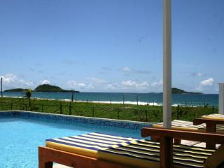 MoonFish Beach Houses - Waterfront, Pool!, Saint Patrick