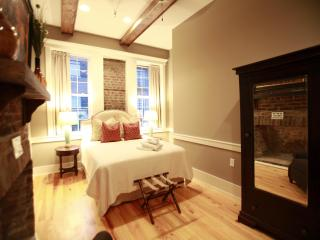 Executive 3 Bedroom in the Heart of Downtown Chas!, Charleston