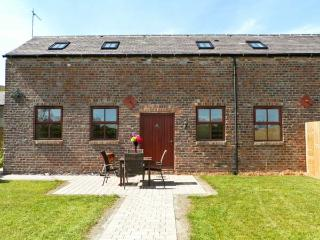 THE DAIRY, family friendly, country holiday cottage, with a garden in Coxhoe , Ref 4542