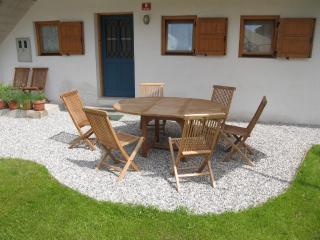 Leban holiday house garden