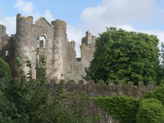 Historic property in the heart of Laugharne, Wales