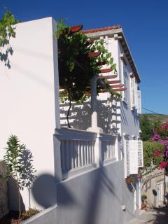 Come stay at Villa Antipodes