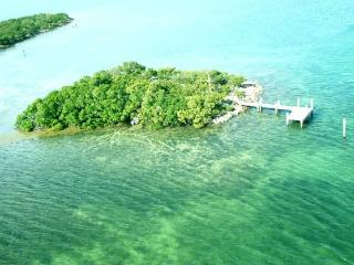 Dolphin Jump Key Home w/Private Island & Motorboat, Marathon
