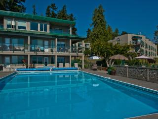 Inn Of The Sea Resort-Newly renovated, Oceanview & Includes the use of two kayak