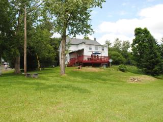 5br farmhouse minutes from Dreams Park, Milford