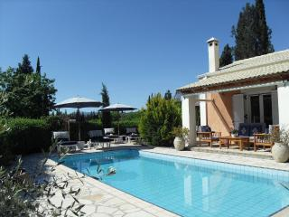 Secluded 2 bedroom villa with private pool