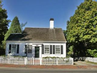 THE 1849 HOUSE: IN-TOWN HISTORIC CAPE NEWLY RENOVATED - EDG JCHI-113, Edgartown