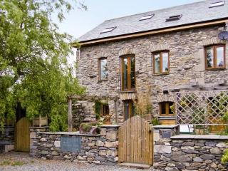 WILLOW BARN, family friendly, luxury holiday cottage, with a garden in Flookburgh, Ref 4534