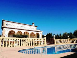 Villa Javea 5 Bed. Private pool Air-con Free Wi-Fi