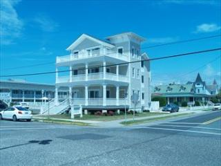 Heavenly House with 3 BR & 2 BA in Cape May (Surf Apartments 49960)