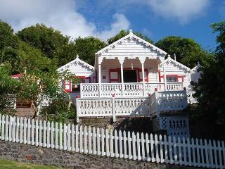 Flamboyant Cottage, Saba - Great View & Pool!, Windwardside