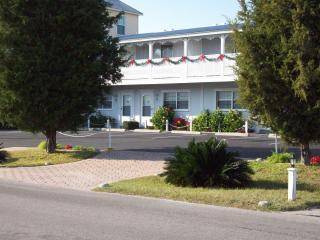 Come home to Seaspray Townhouse At Cedar Key