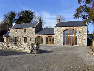 BALLYBLOOD LODGE, family friendly, luxury holiday cottage, with hot tub in