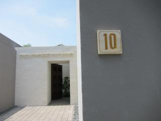 Entrance to a Perfect 10 experience !