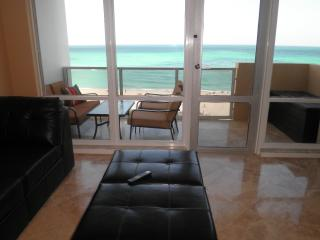 Luxury 2 Bedroom  Miami Beach  Direct ocean view